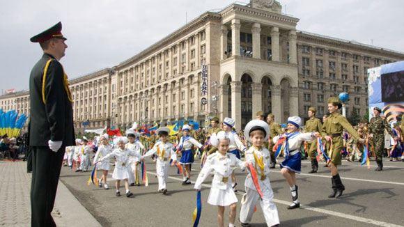 В Киеве отменен военный парад в честь Дня победы