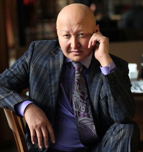 За 25 лет медицинской практики профессор Назаралиев вылечил 17 тыс. больных