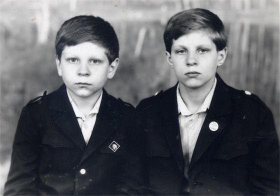 Братья Федор и Александр Емельяненко в детстве