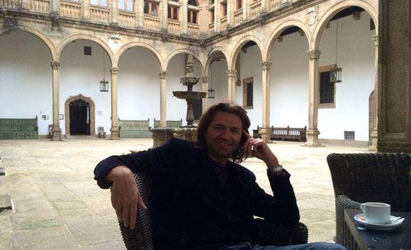 Дмитрий Маликов поехал с друзьями в Испанию