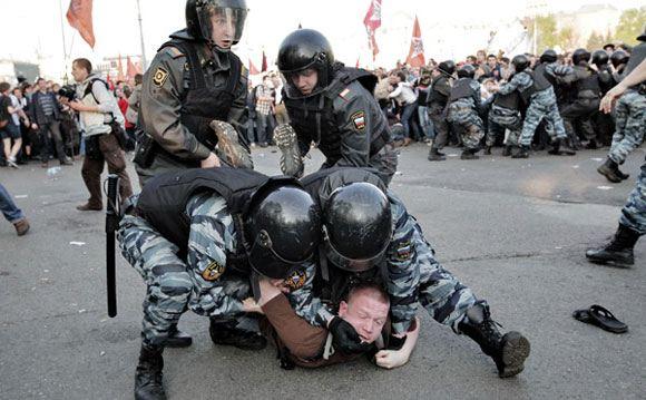 Власти обещают не допустить несанкционированные митинги на Болотной
