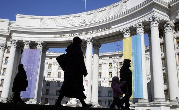 Киев принял решение выслать из страны российского дипломата Колючкина