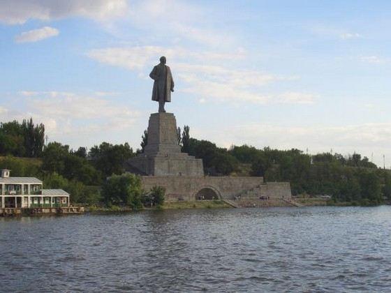 Самый большой памятник Ленину в России