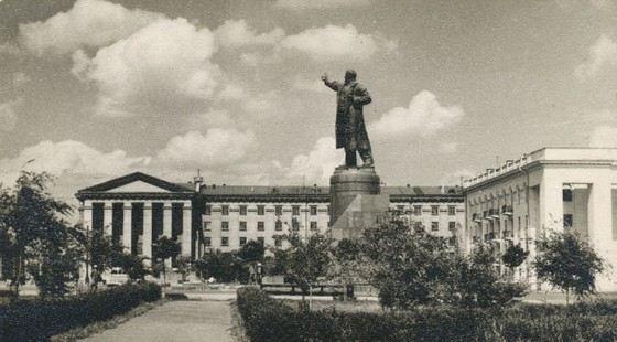 В Волгограде во времена Советского Союза устанавливали и большие, и маленькие памятники Ленину