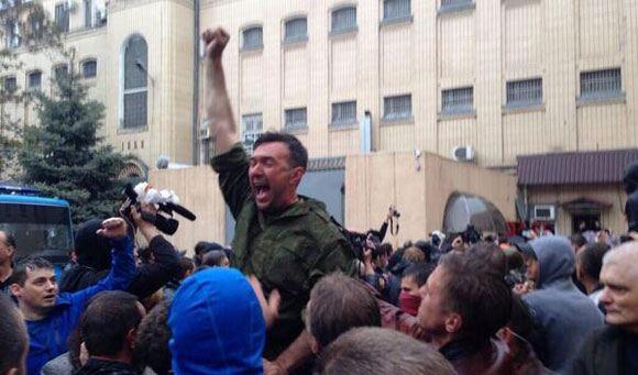 В Одессе пророссийские активисты продолжают блокировать главное управление милиции