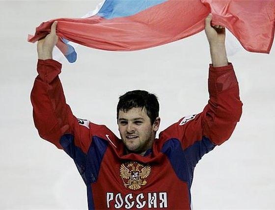 Александр Радулов забивает красивые голы на хоккейных стадионах