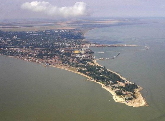 Азовское море местами сильно загрязнено