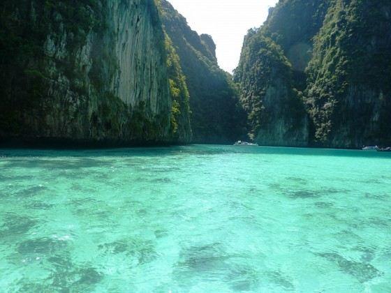 На курортах Тайланда вода в море чистая