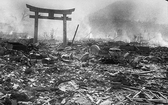 the two different views on the use of the atomic bomb during world war ii It was the second atomic bomb scientists in germany and japan were also considering the potential of atomic energy for war use world war ii officially.