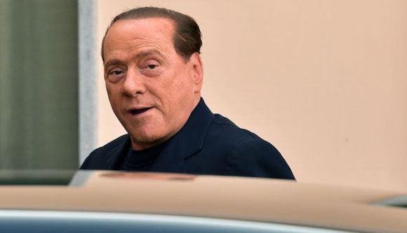 Сильвио Берлускони приступил к выполнению общественных работ