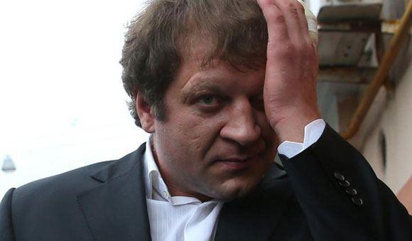 Александр Емеьяненко врезался в столб