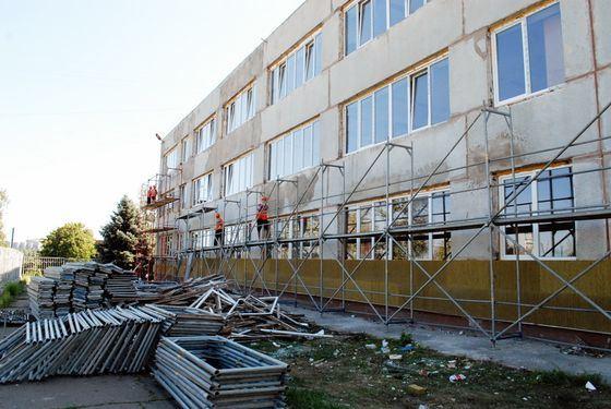 Проблемы ЖКХ: Планируется увеличить средства на ремонт домов, школ