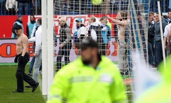 Фанат «Зенита», ударивший игрока «Динамо», арестован на месяц
