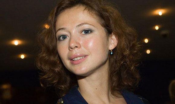 Воры вынесли из квартиры Елены Захаровой украшения и деньги на два миллиона