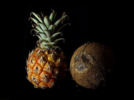 Кокос и ананас - крупные плоды
