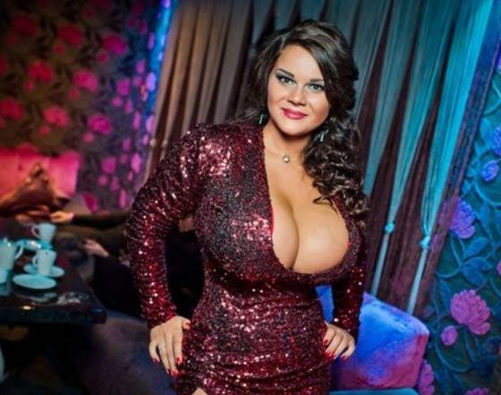 Самая большая грудь в России у Марии Зарринг