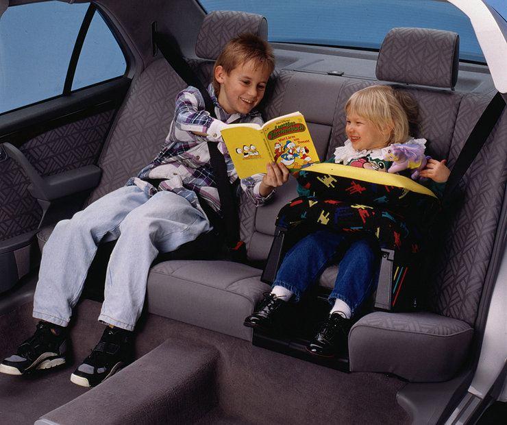 Безопасность детей в автомобиле - главное