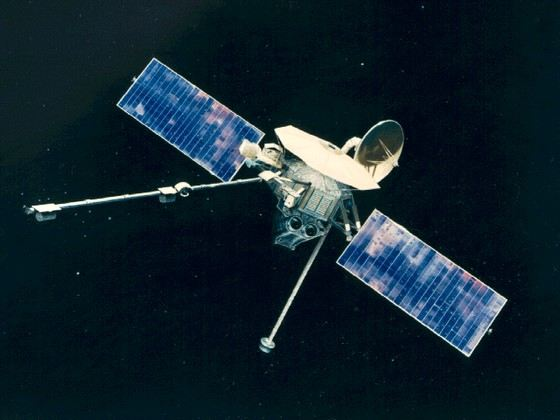 Pictures of the smallest planet in the solar system were taken using this Mariner 10
