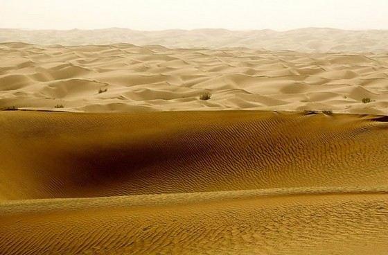 Пустыня Такла-Макан самая большая в мире