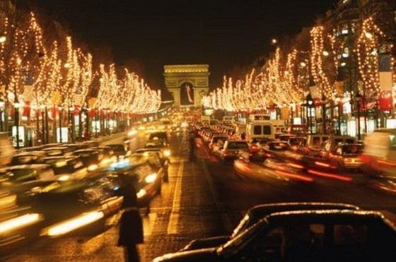 На Елисейских полях в Париже самые дорогие рестораны