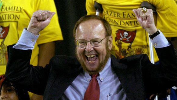 Скончался 85-летний владелец английского футбольного клуба «Манчестер Юнайтед»