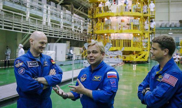 Новый экипаж МКС перешел на борт станции