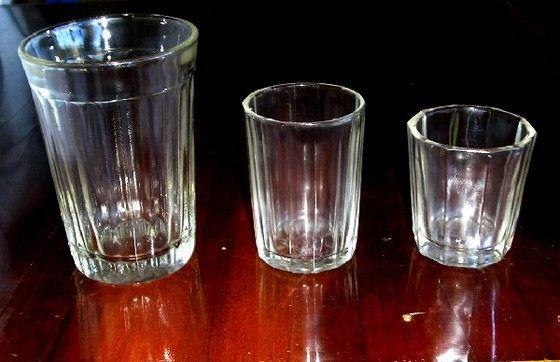 Обычные граненые стаканы становятся экспонатами экзотических музеев