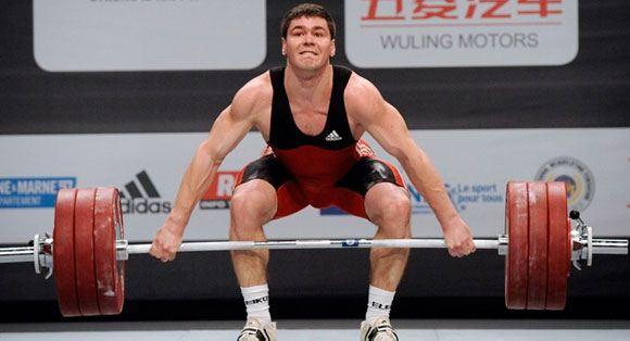 Крымский тяжелоатлет Артем Иванов получил российское гражданство