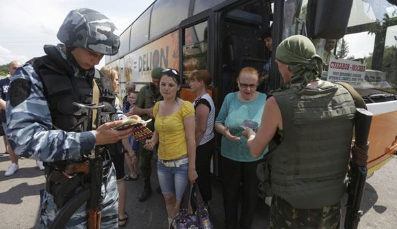Губернатор Ростовской области ввел в регионе ЧС для помощи беженцам