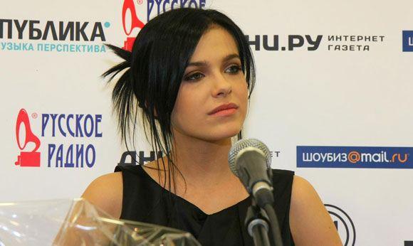 Елена Темникова ушла из группы Serebro рожать детей