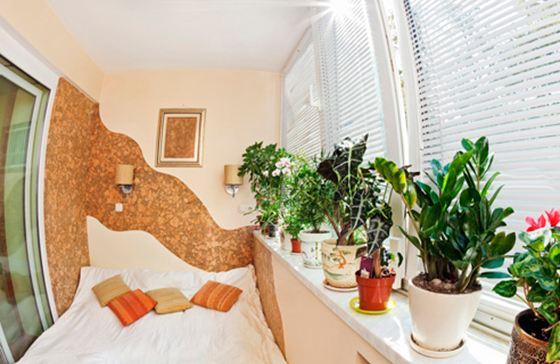 Балкон в качестве жилой комнаты - отличная идея на лето