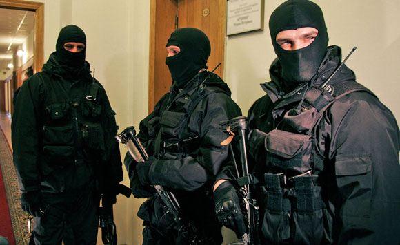 Задержанные под Славянском сотрудники телеканала «Звезда» были переданы в СБУ