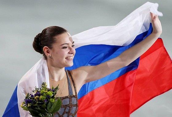 Аделина Сотникова одна из самых молодых российских олимпийских чемпионок