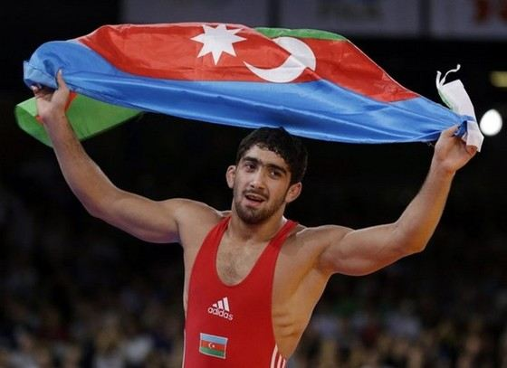 Тогрул Аскеров моложе многих других борцов и боксеров