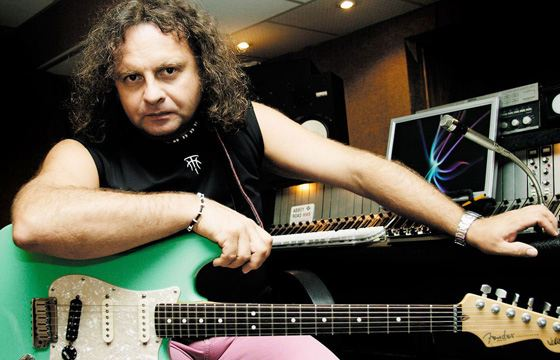 Самый быстрый гитарист в 2002 году - Виктор Зинчук