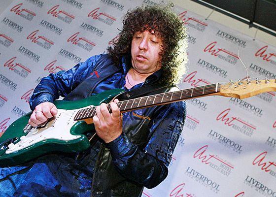Неофициальный самый быстрый гитарист - Сергей Путятов