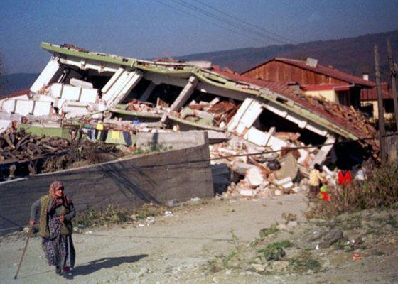 Менее половины домов Турции застрахованы от землетрясений