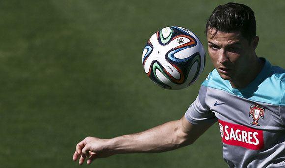 Криштиану Роналду досрочно покинул тренировку сборной Португалии