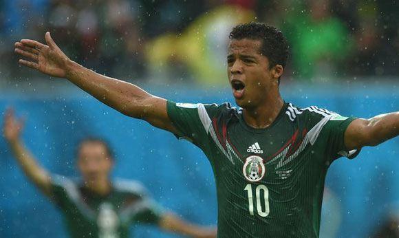 Судьи не засчитали два гола сборной Мексики в ворота камерунцев