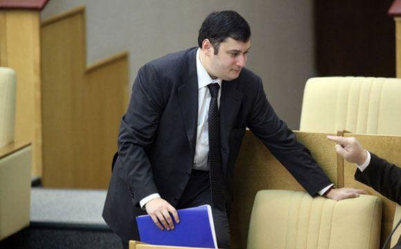 Депутата Хинштейна могут привлечь за пьяный дебош на борту самолета