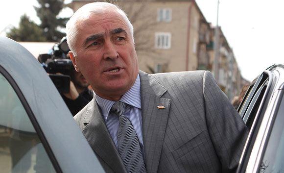 Глава Южной Осетии своим указом признал независимость ЛНР