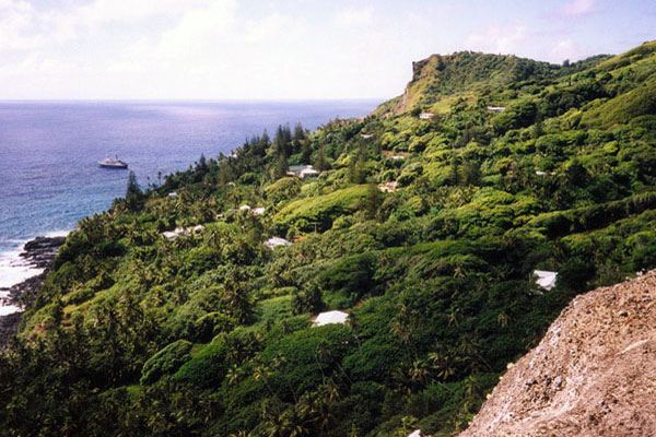 Город Адамстаун на острове-государстве Питкэрн самая маленькая столица в мире