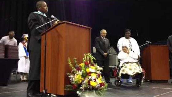 111-летняя бабушка в США получила диплом об образовании