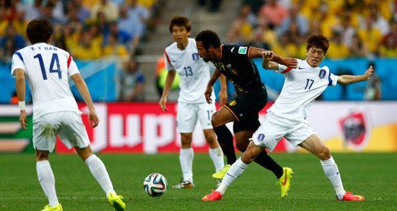 Бельгийцы вышли в плей-офф ЧМ-2014, победив Южную Корею