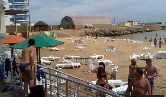 На одесские пляжи обрушилась вызванная взрывом волна