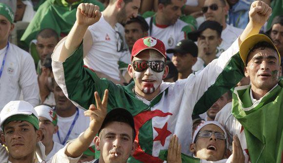 Два человека погибли, отмечая выход Алжира в плей-офф ЧМ