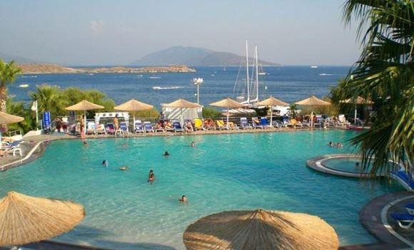 В Турции пятилетняя девочка из России захлебнулась в бассейне