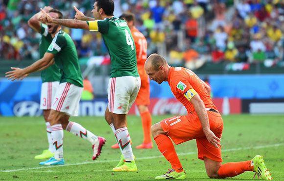 Нидерланды обыграли Мексику и вышли в четвертьфинал ЧМ