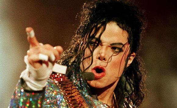 Майкл Джексон уже после смерти заработал 700 миллионов долларов