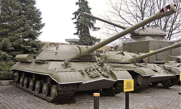 Танк ИС-3 разгромил блокпост украинских военных под Славянском